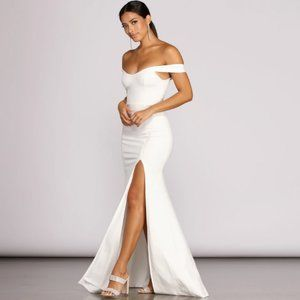 NWT THEIA CREPE SIDE SLIT GOWN WHITE